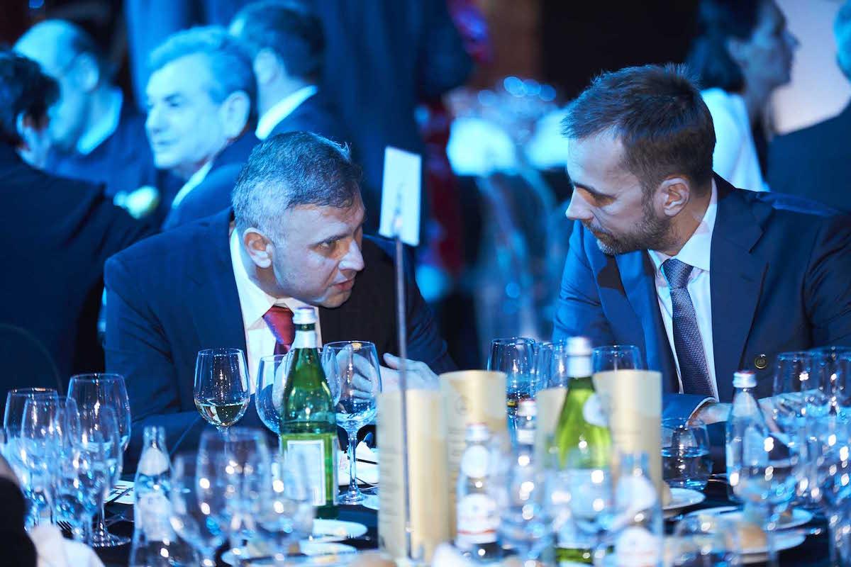 jobbra Kiss Ádám, a Mosoly Alapítvány Kuratóriumának elnöke