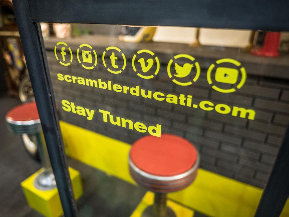Scrambler radio