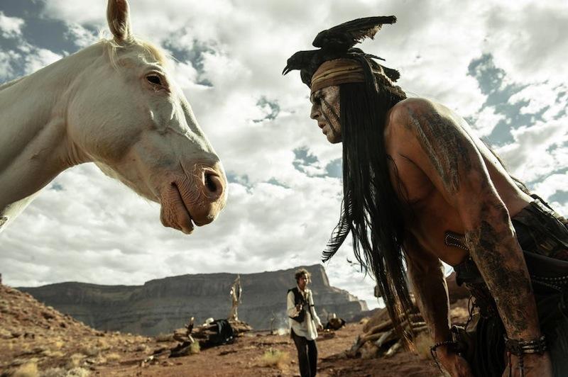 A Magányos lovas kétségtelenül a karibi klisékre épül.