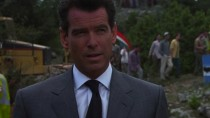 Brosnan persze még a régi Bond volt