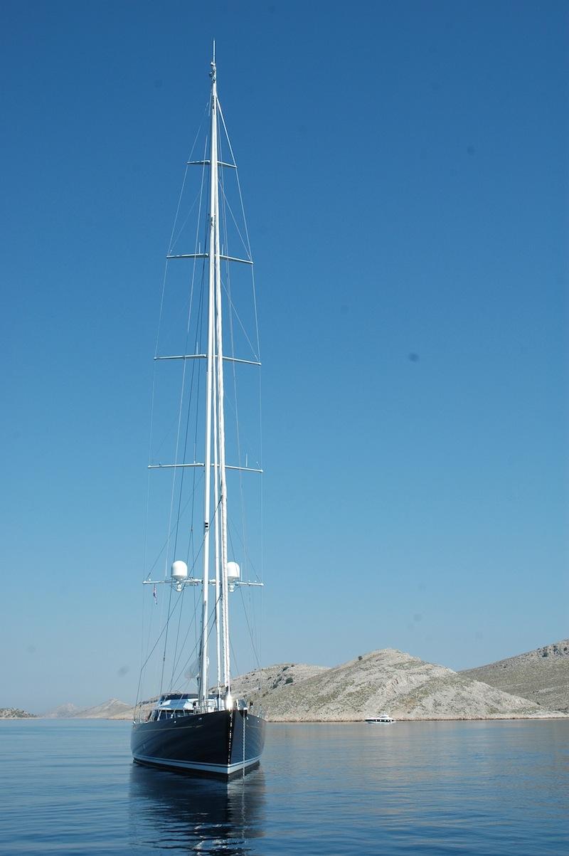 Egy nagy vitorlásnál szebb és elegánsabb látvány alig kínálkozik a tengereken