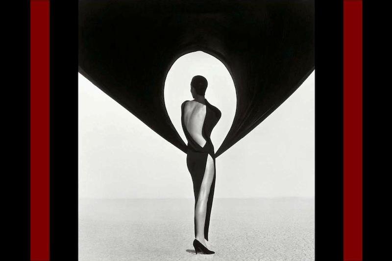 Herb Ritts: Christy Turlington - Versace, El Mirage, 1990.