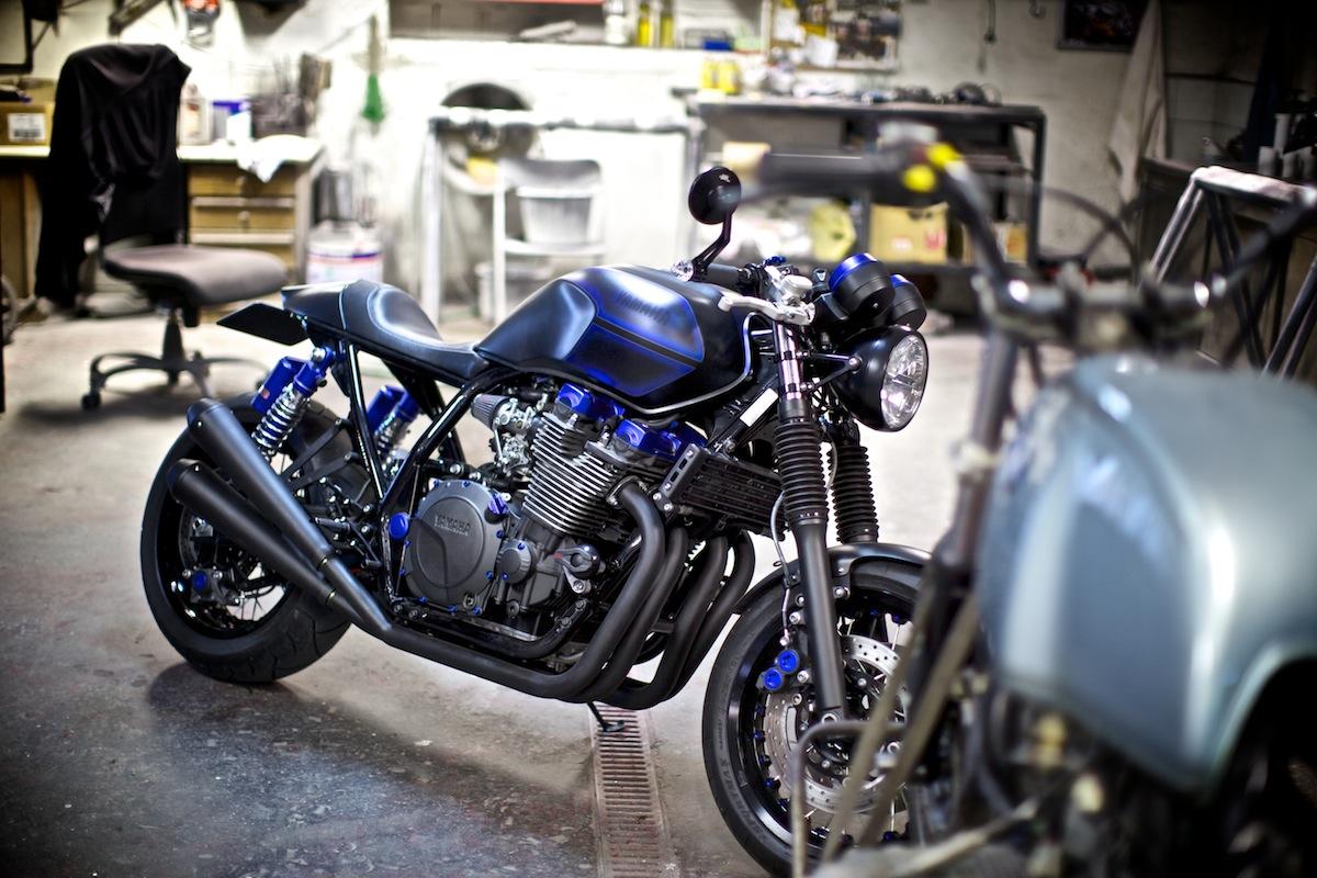 Yamaha XJR Café Racer