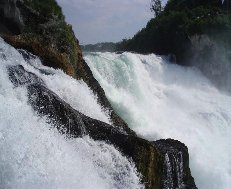 Schafhausennél Európa legnagyobb vízesését adja