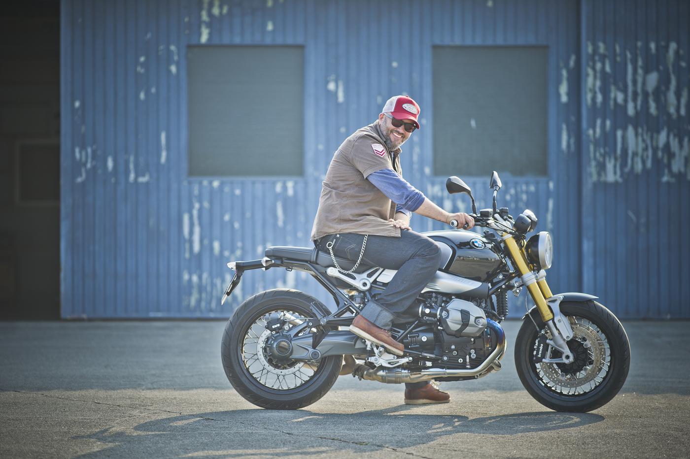 A BMW Motorrad design főnöke az eredeti BMW-n
