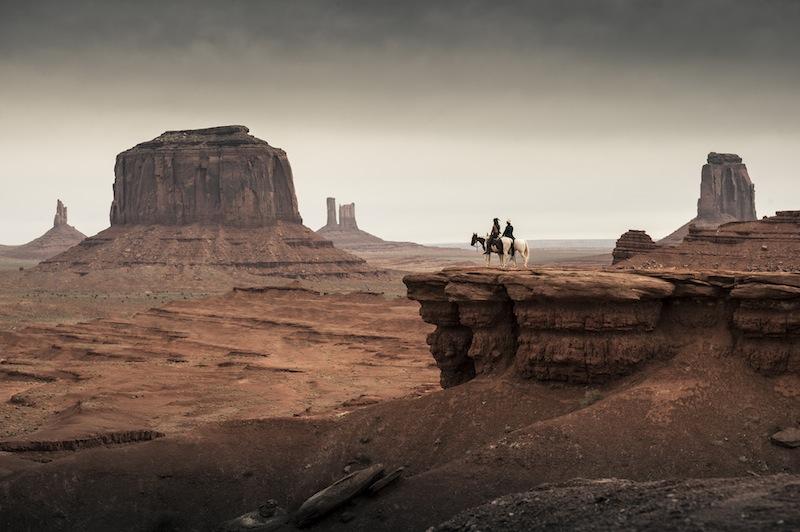Mesés tájak, vadnyugati romantika, látvány dögivel.
